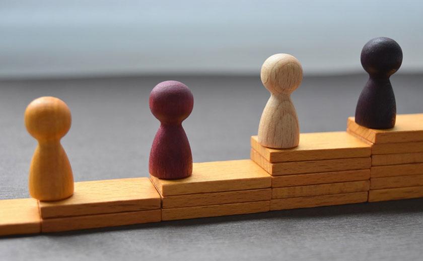 不動産投資とREIT(リート)のおすすめ人物像比較