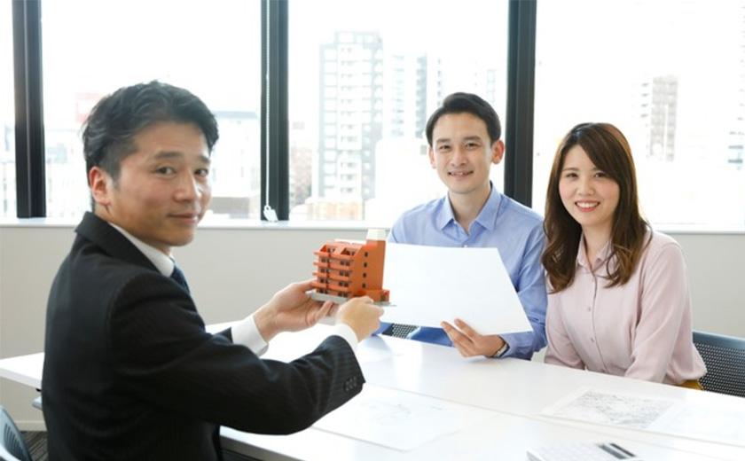 不動産投資会社を選ぶ基準は? より良い会社に出会うポイントや注意点も紹介!